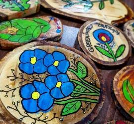 Bihorenii, invitaţi să înveţe cum să picteze pe lemn şi să gătească după reţete vechi