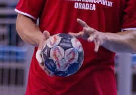 Victorie clară pentru handbaliștii de la CSM Oradea în amicalul de pe teren propriu cu maghiarii de la Fehergyarmat