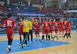 Derby la handbal: CSM Oradea primeşte, sâmbătă, replica Universităţii Cluj