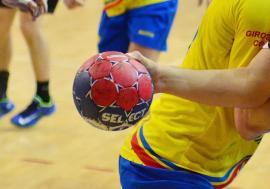 Victorie categorică pentru handbaliştii de la CSM Oradea în duelul cu CNOPJ Timişoara