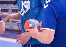 Joc accesibil pentru handbaliştii de la CSM Oradea, duminică, la Arena Antonio Alexe