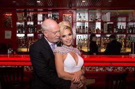 Cine este tânăra din Timișoara căsătorită cu milionarul american în vârstă de 61 de ani care administrează Statuia Libertății (FOTO)