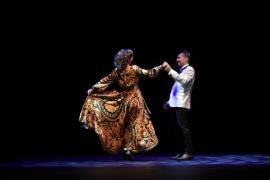 O jumătate de oră întârziere, şapte discursuri şi două momente artistice la inaugurarea scenei rotative a Teatrului, de aproape un milion de euro (FOTO / VIDEO)