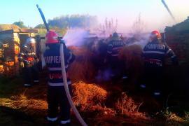 Trei incendii provocate de defecţiuni electrice, în două zile