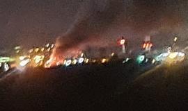 Incendiu violent la o firmă de pe strada Borşului din Oradea: 4 autotractoare au ars în totalitate
