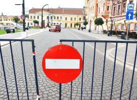 Sărbătoare cu restricţii în trafic: Oradea FestiFall închide de luni accesul auto în Piaţa Unirii