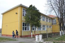 Şcoala la rece: Elevii şcolii generale Ioan Slavici au dârdâit în clase