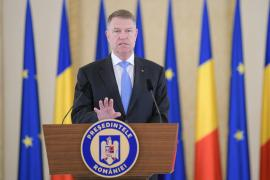 Preşedintele Klaus Iohannis: 'Nu luaţi cu asalt magazinele şi farmaciile'