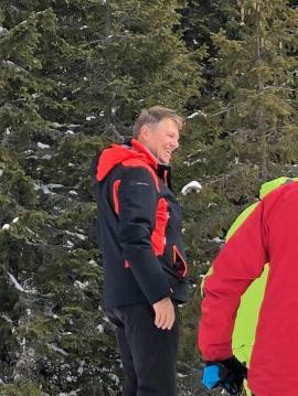 Preşedintele Iohannis, surprins din nou la schi în judeţul Alba