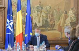 Klaus Iohannis, amendat cu 5.000 de lei pentru 'Jó napot kívánok, PSD!'. Preşedintele spune că decizia este 'profund politică'
