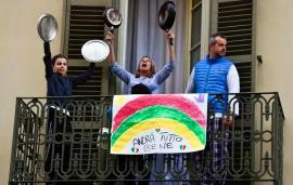 Concertele solidarităţii: italienii au cântat împreună, de la balcoane (VIDEO)