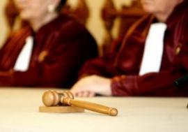 Încadrarea juridică a unei infracțiuni trebuie făcută înaintea judecății. Decizie CCR