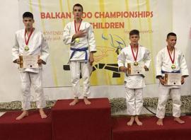 Trei medalii de bronz pentru sportivii de la LPS CSS Liberty la Campionatele Balcanice de judo juniori III