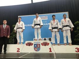 Două medalii pentru judoka orădeni la întrecerile Campionatului Balcanic pentru juniori din Bosnia Herţegovina