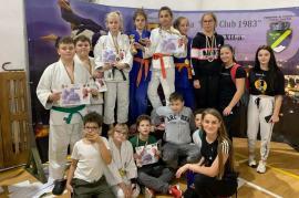 Opt medalii pentru tinerii judoka de la LPS Bihorul şi CS Crişul la concursul de la Huedin