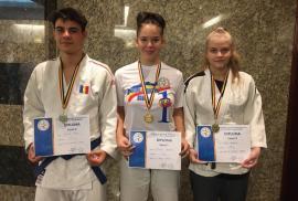 Trei medalii şi un titlu naţional pentru judoka orădeni în finala Campionatului Naţional pentru juniori