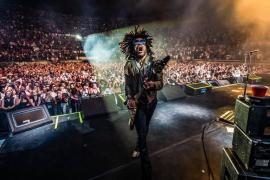 Lenny Kravitz aduce un concert de zile mari, la Cluj-Napoca! Cât costă biletele (VIDEO)