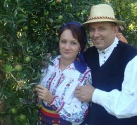 Folclor cu amor: Detalii picante ieşite la iveală după acuzaţia de plagiat adusă cântăreţei Denisa Puşcău