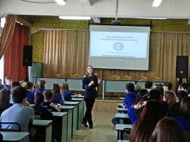 Cyberbullying: Elevii de la Lazăr au învățat despre hărțuirea pe internet și cum se pot feri de ea (FOTO)