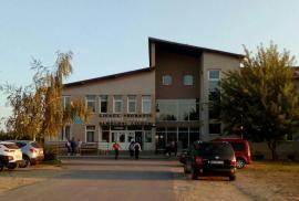Şcoala pilelor: Nepotisme şi angajări după bunul plac al directorului, la Liceul Petőfi din Săcueni