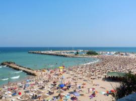 Litoralul pentru toţi: Ce preţuri practică hotelurile de la mare în luna septembrie
