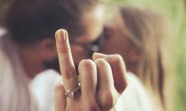 Păgubaş din dragoste: Un tânăr din Bucureşti, pus să-şi despăgubească fosta iubită cu o sumă imensă pentru că a fugit în noaptea logodnei cu o altă femeie