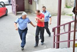 Uite hoţul, nu e hoţul! Unul dintre spărgătorii care au dat iama la VIP-urile Oradiei i-a pus pe gânduri pe judecători