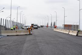 Pasajul suprateran de la Piaţa 100 din Oradea ar putea fi deschis circulaţiei vineri (FOTO / VIDEO)