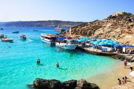 Vacanţă plătită: Un stat din Europa oferă bani de cazare turiştilor care îl vor vizita (VIDEO)