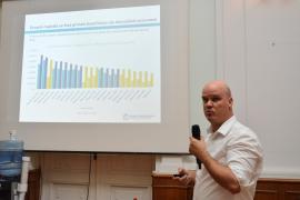 Un expert al Băncii Mondiale vorbește la Oradea despre cum se dezvoltă o comunitate