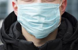Masca pe figură! Angajat al Primăriei Oradea, trimis în izolare sub suspiciune de infectare cu Covid