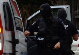 Percheziţie cu repetiţie: Poliţiştii din Bihor au greşit adresa la care ar fi trebuit să descindă. Vezi ce a ieşit!