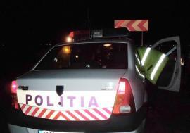 Tânăr de 18 ani cu dosar penal, după ce a condus fără permis o maşină pe care a furat-o şi a ajuns cu ea în stâlp