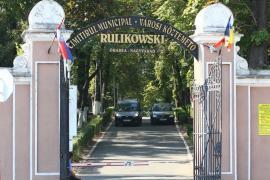 Programul zilei de 1 noiembrie la Cimitirul Municipal: Accesul auto va fi interzis