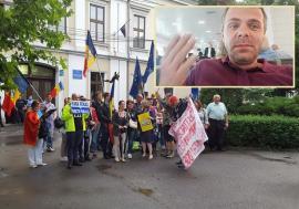 N-a avut… piloți! Mălin Bot nu a mai ajuns la protestul de la Oradea, din cauza cursei Tarom, care a întârziat 3 ore (FOTO / VIDEO)