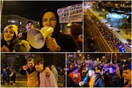 A doua seară de proteste anti-restricţii în Oradea. Printre manifestanţi, mulţi tineri, între care şi lăutari(FOTO / VIDEO)