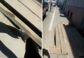 Atenţie la lucrări! O orădeancă şi copilul ei au căzut într-o groapă nesemnalizată pe strada Moscovei (FOTO)