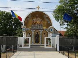 Singurul monument bihorean dedicat Marii Uniri în anul Centenarului a fost sfinţit la Săbolciu (FOTO)