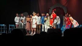 Musicalul Mamma Mia în Oradea: Aproximativ 1000 de persoane au cântat împreună, cucerite de povestea de dragoste dintre Loredana și Cornel Ilie (FOTO / VIDEO)