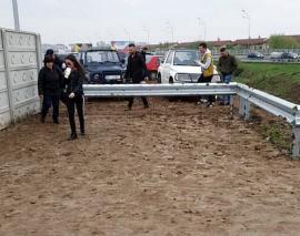 Ne enervează: Noroaiele care acoperă la cea mai mică ploaie noua Piaţă 100