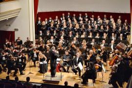 Dirijorul Mihai Agafiţa, pe scena Filarmonicii de Stat