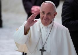 Papa Francisc susține parteneriatele civile între persoanele homosexuale: 'Sunt copiii Domnului şi au dreptul la familie'