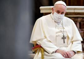 """Papa Francisc """"trimite"""" jurnaliştii în teren: 'Genul anchetei şi al reportajului încep să dispară'"""