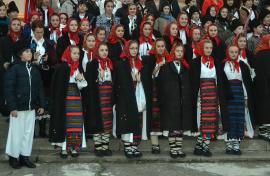 Asta-i datina străveche: Peste 350 de copii şi tineri vor participa la Festivalul de datini şi obiceiuri de Crăciun şi Anul Nou