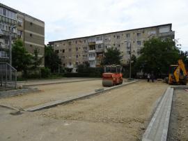 Primăria Oradea va amenaja noi locuri de parcare pe străzile Oneştilor şi Morii. Urmează şi un parc (FOTO)
