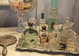 Vernisaj înmiresmat: Orădenii, invitaţi la expoziţia 'Olfactiv. Mirodenii, răşini, parfumuri şi miresme. Din Antichitate până în Epoca Modernă'