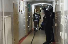 Un român întors din 'zona roşie' a fost arestat şi dus în Penitenciarul Oradea. Ce măsuri s-au luat în închisoare