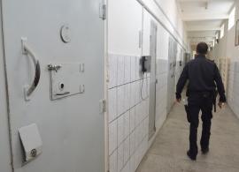 Proces cu Taraf: Un deţinut din Penitenciarul Oradea, trimis în judecată pentru că a spart un televizor din celulă