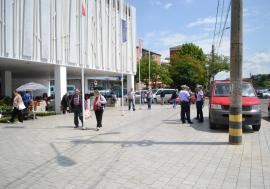 Licitaţie publică cu strigare pentru închirierea unor spaţii în Piaţa Rogerius