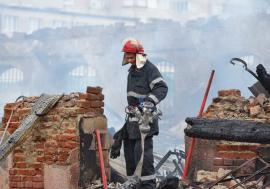 Dosar penal pentru distrugere din culpă după teribilul incendiu de la Piaţa Cetate din Oradea. Raportul pompierilor nu e gata